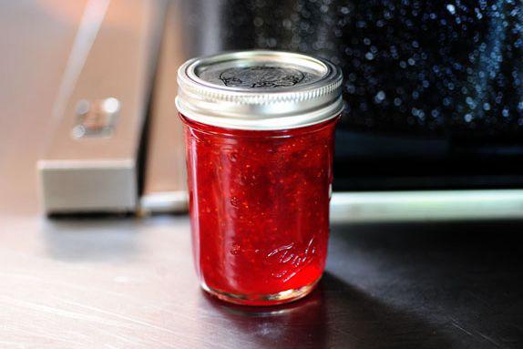 http://www.vanramblings.com/uploads/glass-jar-strawberry-jam.jpg